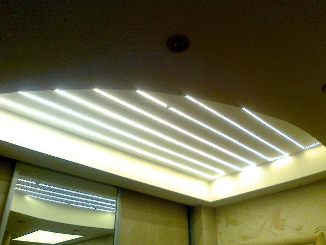 Полупрозрачные натяжные потолки: плюсы и минусы